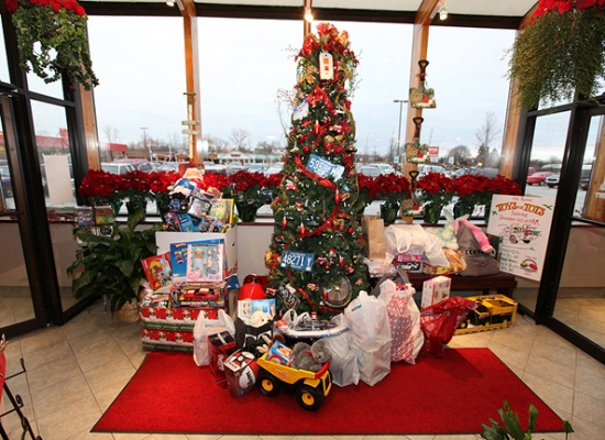 Christmas at Ram's Horn of Rochester Hills